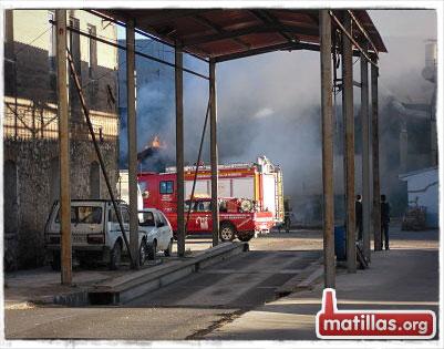 Primeras dotaciones de bomberos
